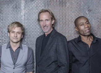 mike and the mechanics with mike rutherford of genesis